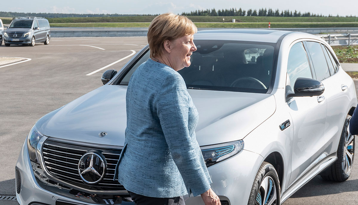 Merkel-Elektroauto-1