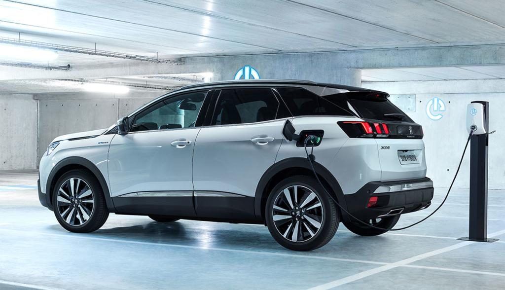 Peugeot-3008-GT-Hybrid4-2019–4