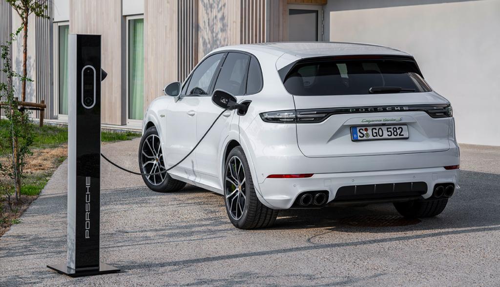 Porsche-Cayenne-Turbo-S-E-Hybrid-2019-4