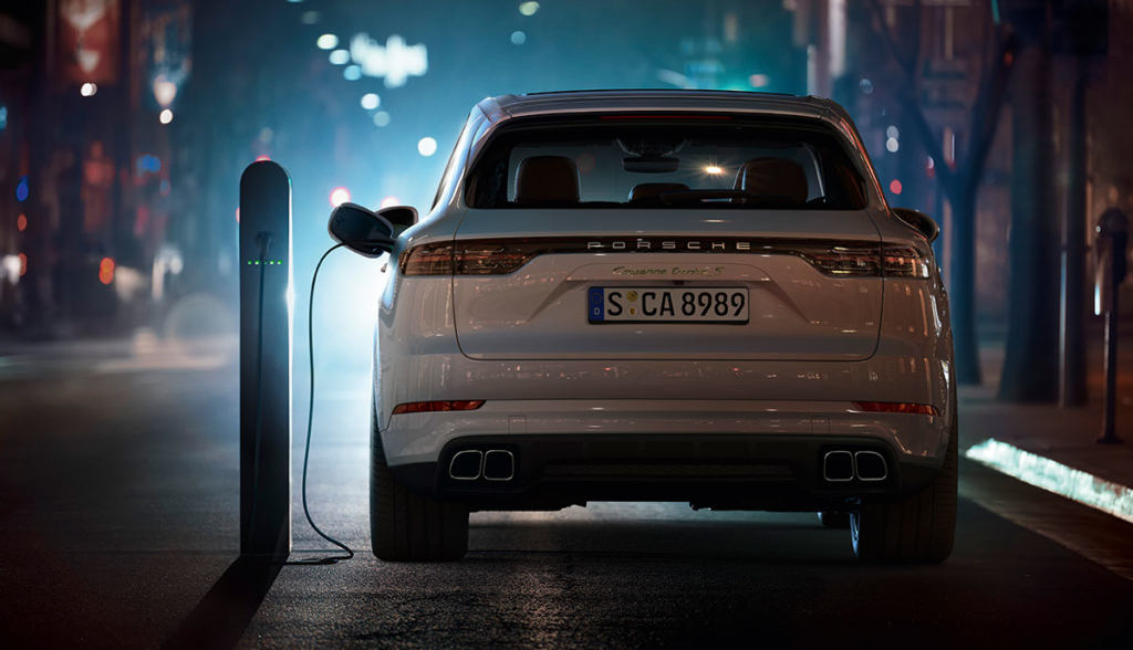 Porsche-Cayenne-Turbo-S-E-Hybrid-2019-8