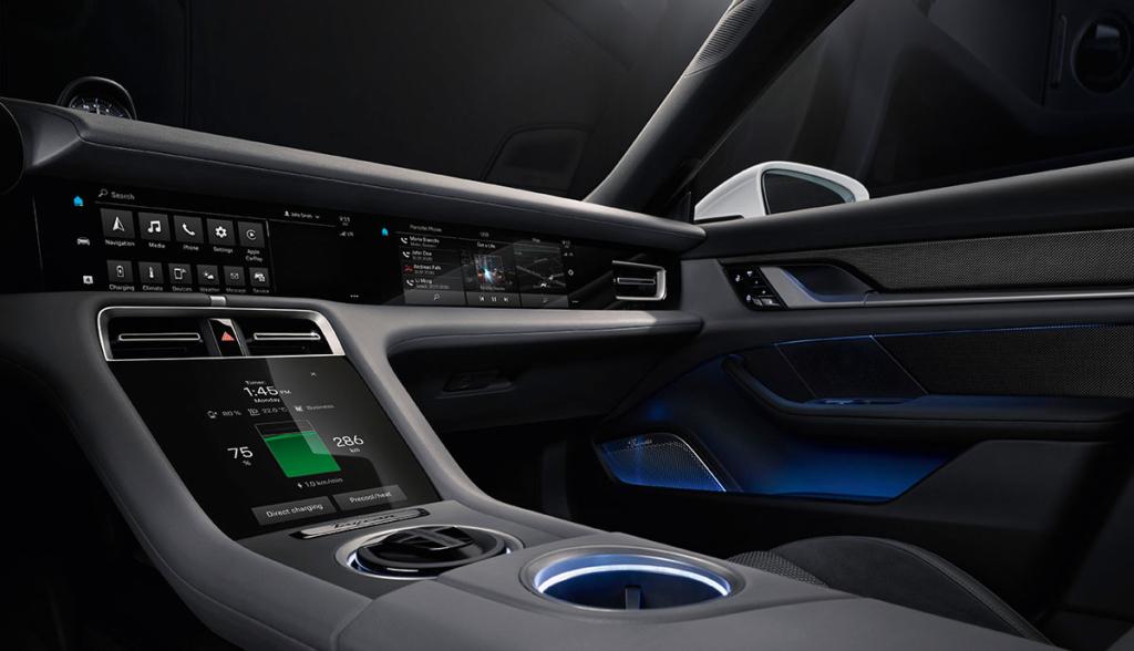 Porsche-Taycan-Cockpit-2019-1