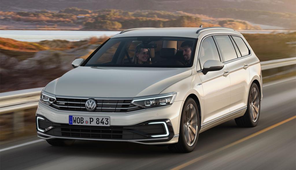 VW-Passat-GTE-2019-4