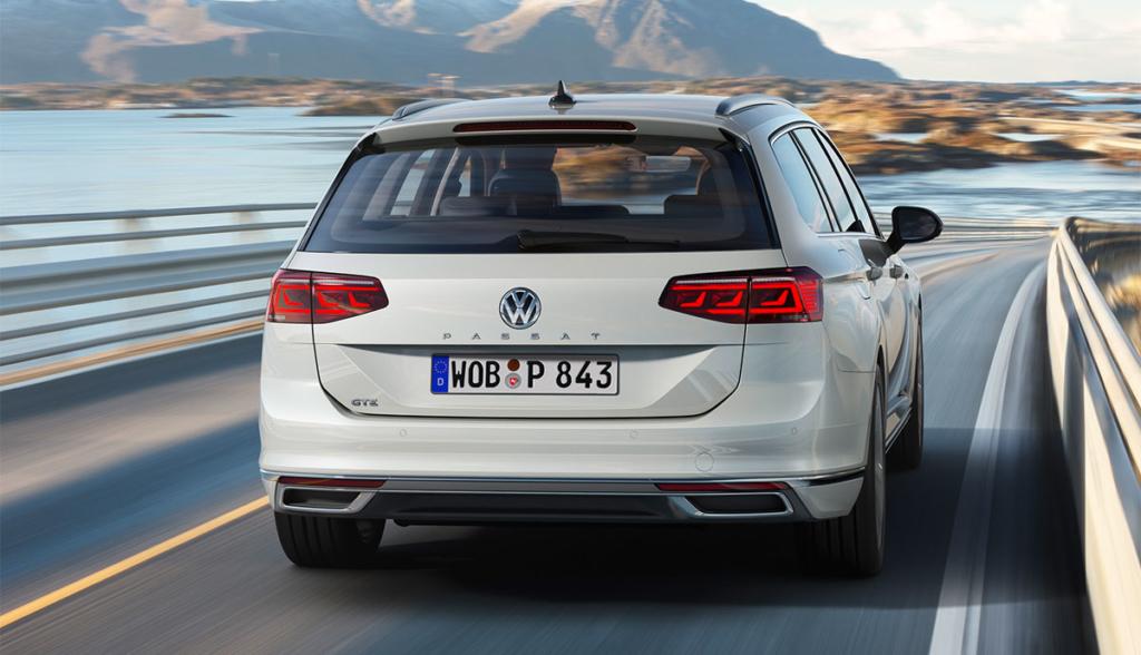 VW-Passat-GTE-2019-5