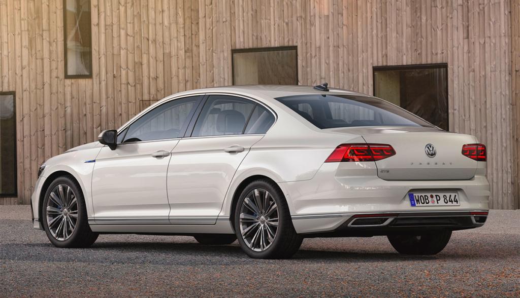 VW-Passat-GTE-2019-7