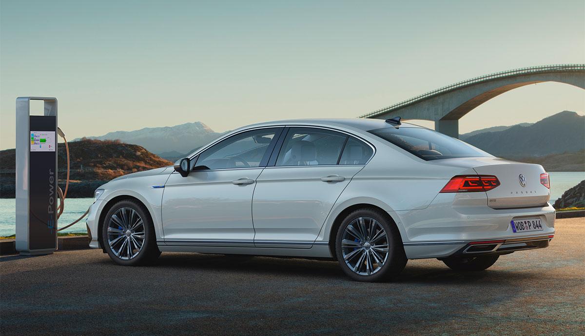 VW-Passat-GTE-2020