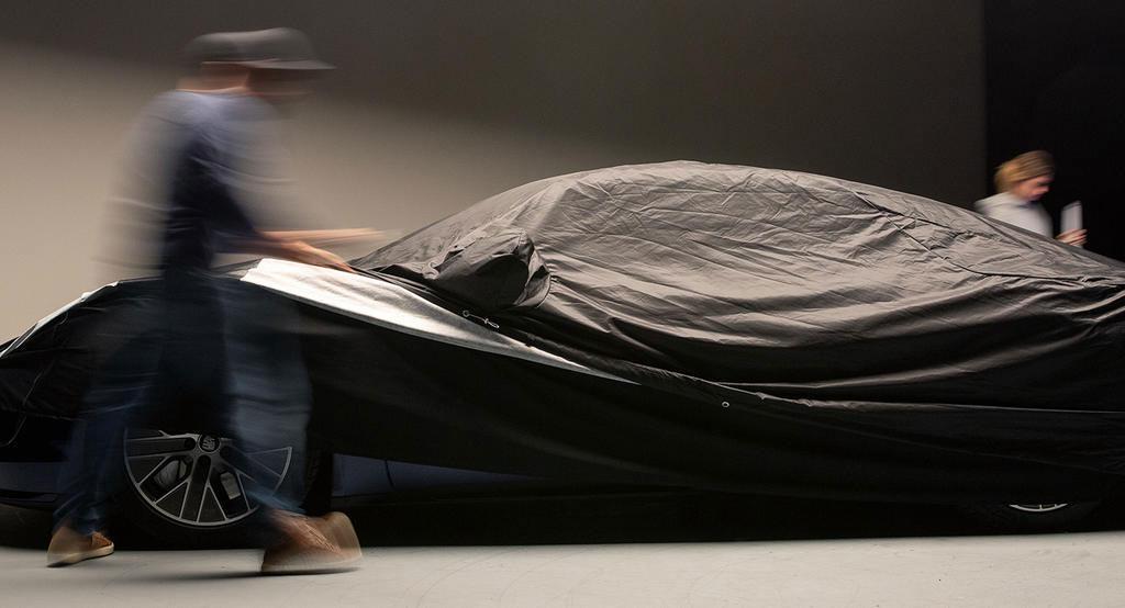 Porsche-Taycan-Teaser-11