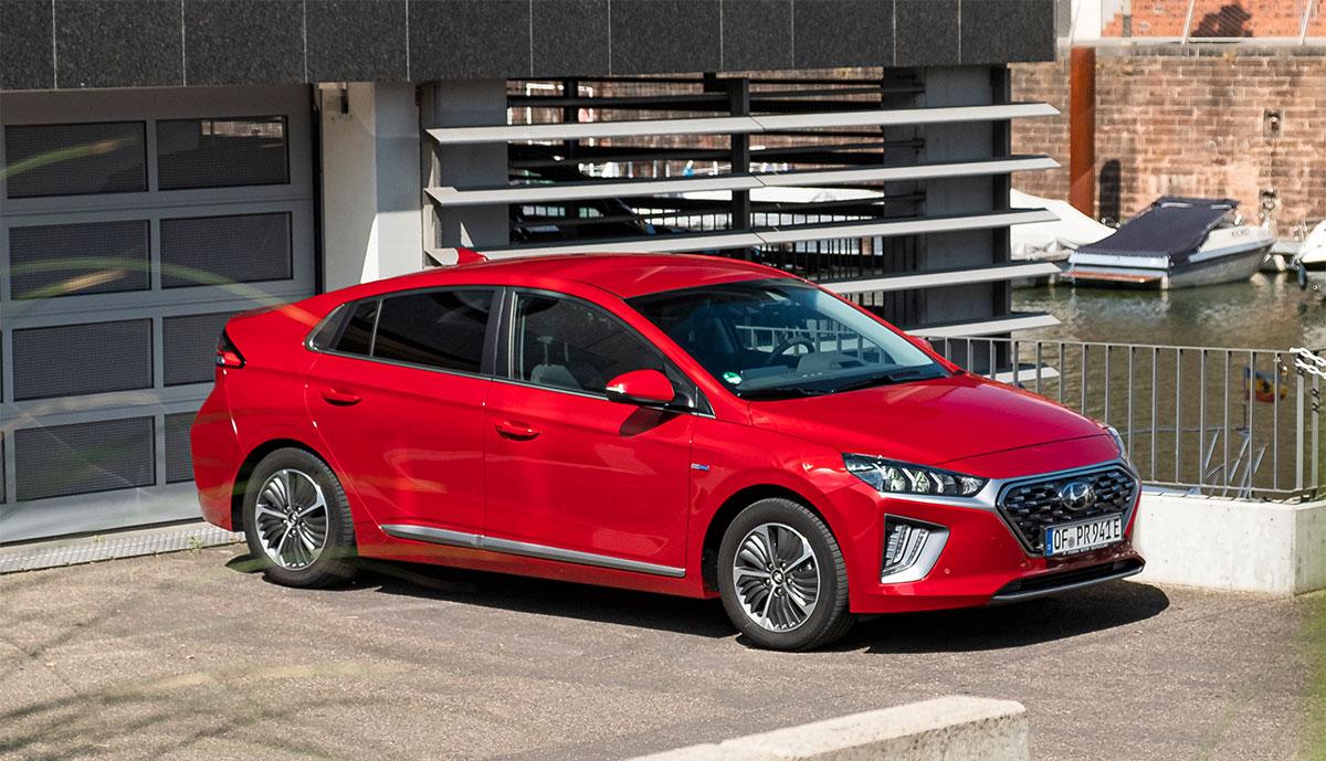 ADAC bietet Sonderzins für Finanzierung von Elektroautos und Hybriden