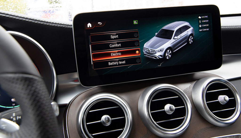Mercedes-GLC-300-e-2019-1