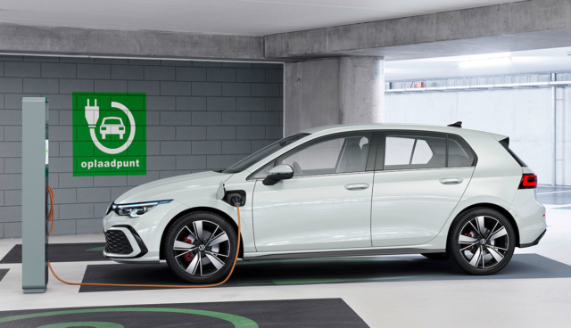 VW-Golf-8-GTE-2019–5