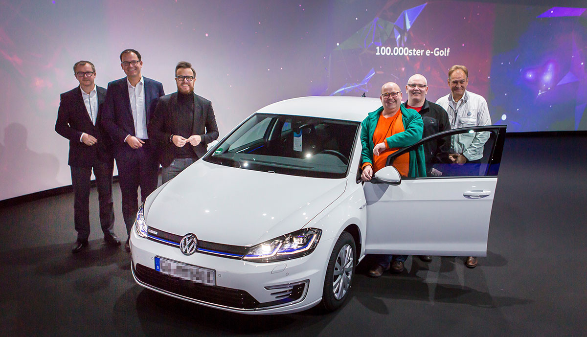 Volkswagen übergibt 100.000sten e-Golf