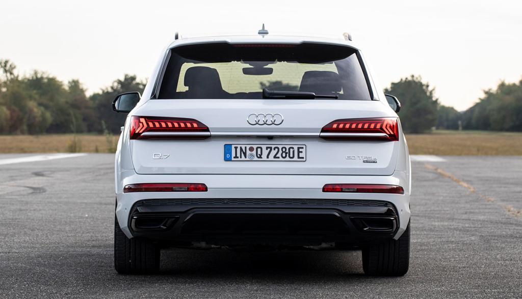Audi-Q7-TFSI-e-2019-1
