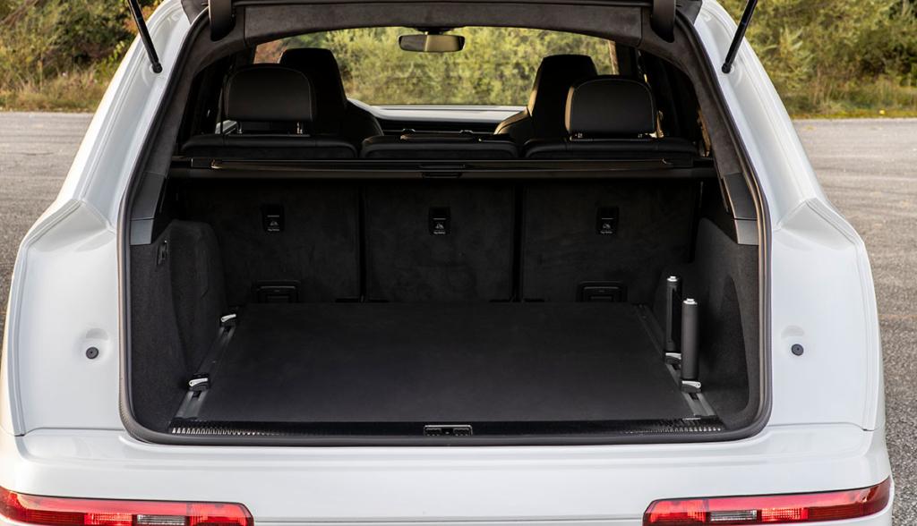 Audi-Q7-TFSI-e-2019-7