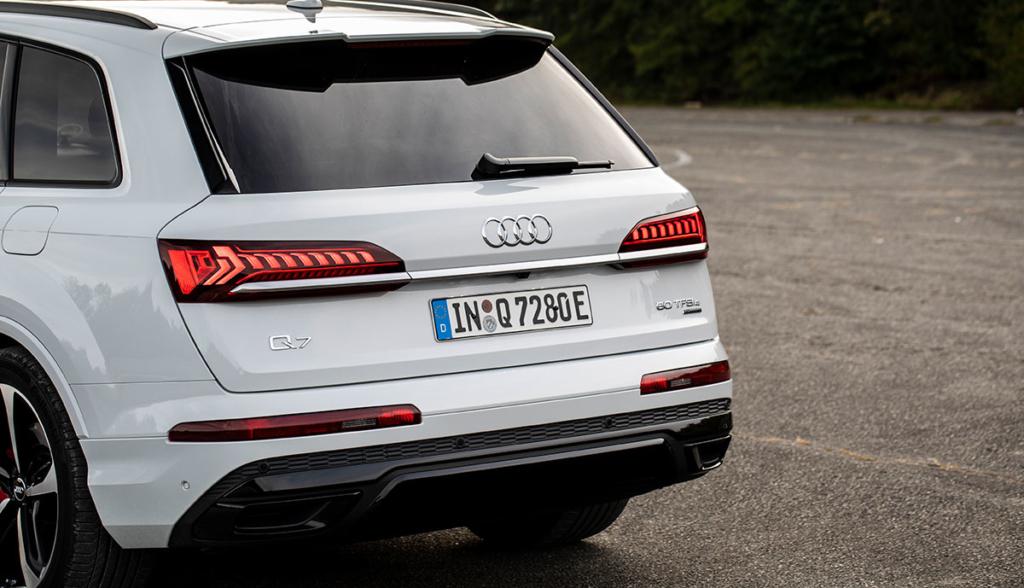 Audi-Q7-TFSI-e-quattro-2019-2