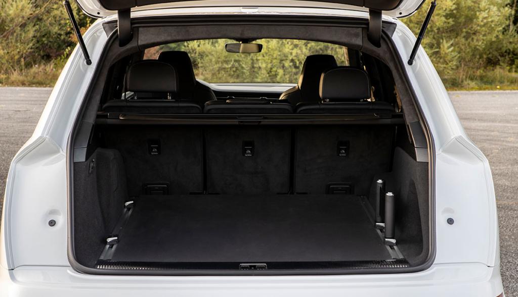 Audi-Q7-TFSI-e-quattro-2019-9