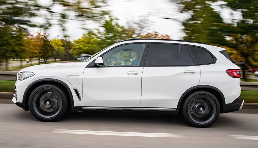 BMW-X5-xDrive45e-2019-7