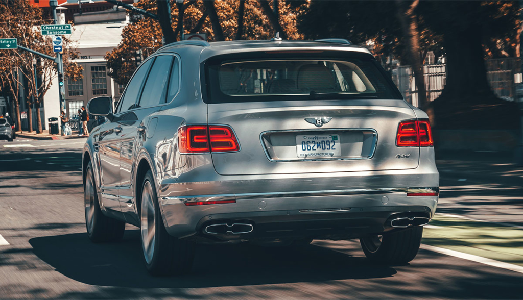 Bentley-Bentayga-Hybrid-2019-8