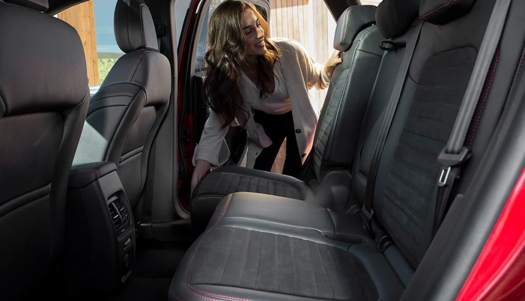 Ford Kuga Plug-in-Hybrid-2019-2-7