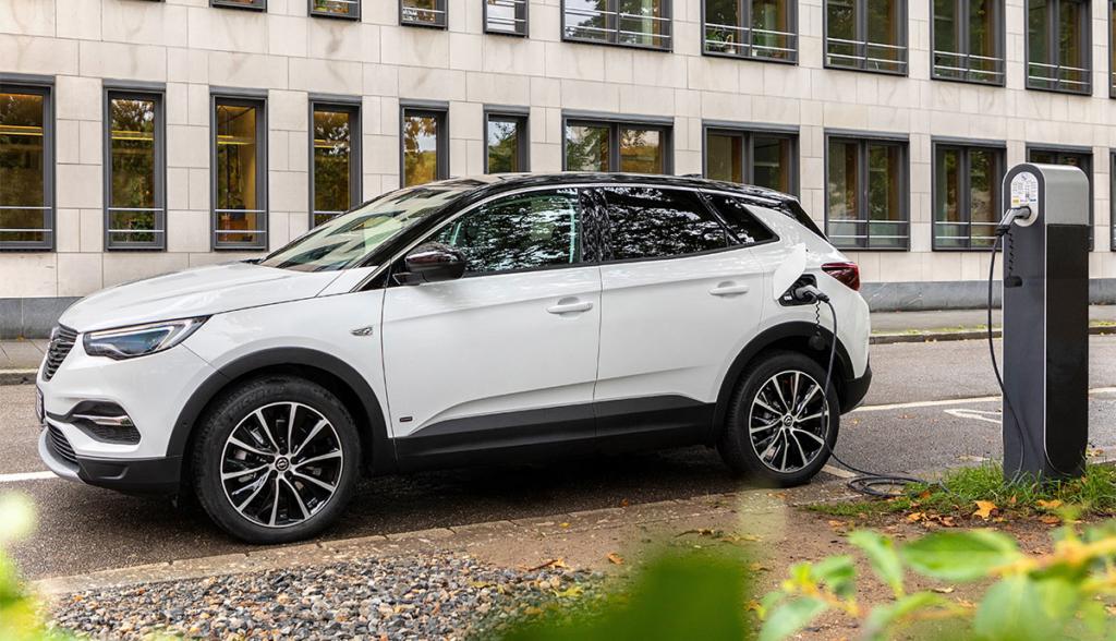 Grandland-X-Hybrid-2019-4