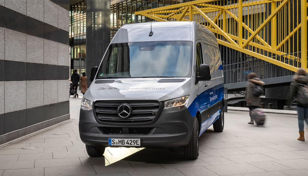 Mercedes-Benz-eSprinter-2020-6