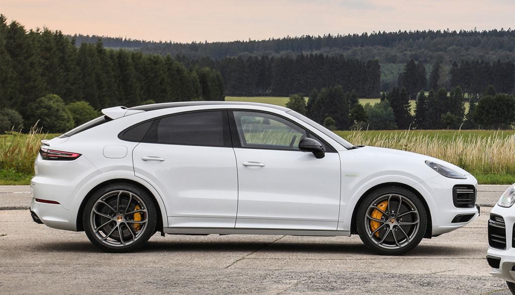 Porsche-Cayenne-Turbo-S-E-Hybrid-Coupe-2019-2