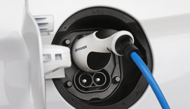 Hyundai-Elektroauto-Ladestecker