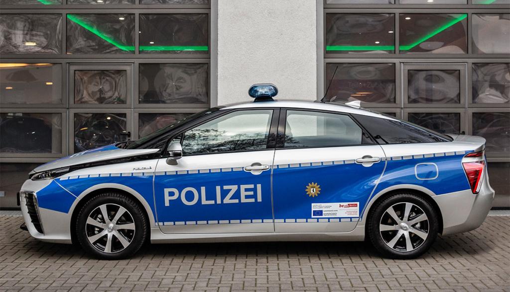 Toyora-Mirai-Polizei-Berlin-4