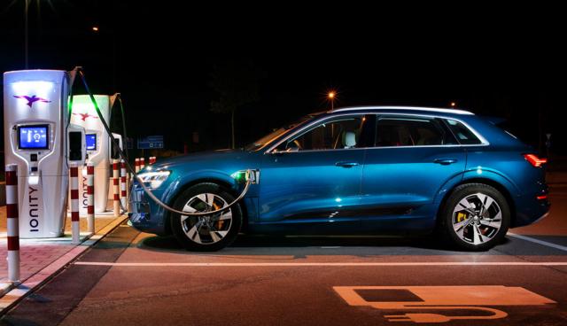 Audi-e-tron-schnellladen