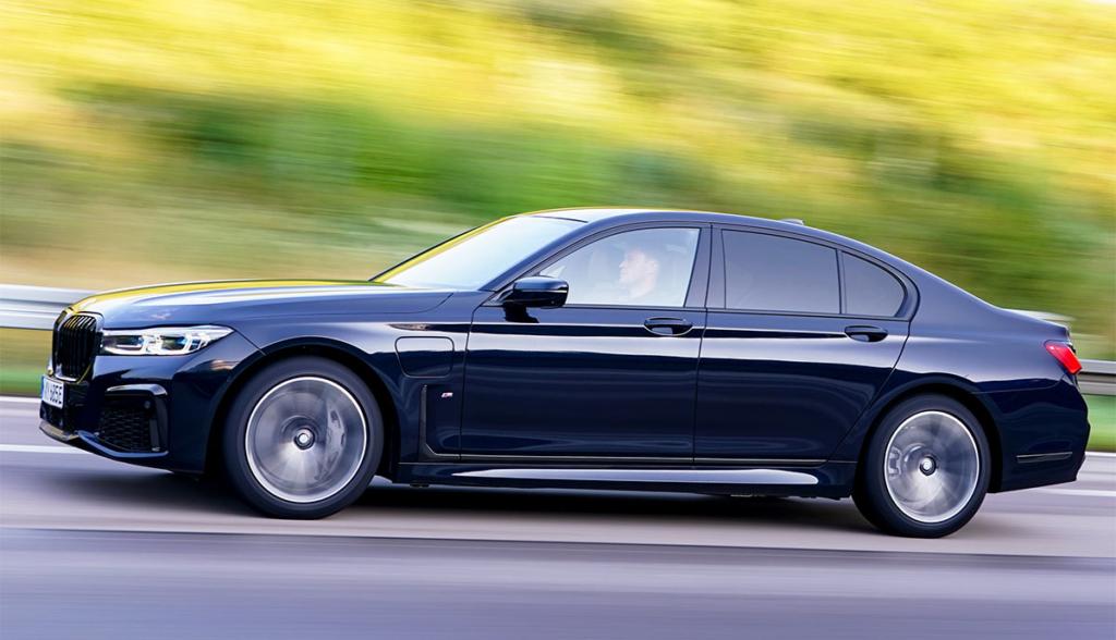 BMW-745e-2020-3