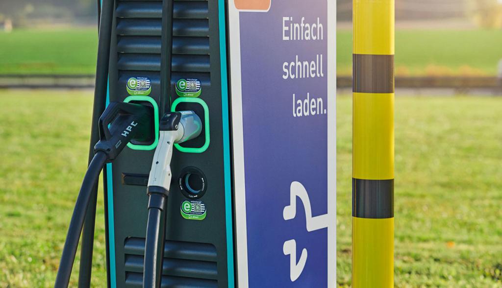 """""""Lade-Report 2020"""" der EnBW beleuchtet Ladeinfrastruktur und Ladetarife in Deutschland"""