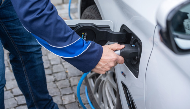BMW-Elektroauto-laden