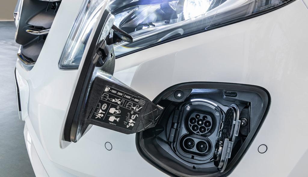 Mercedes-Benz-eVito-2020-5