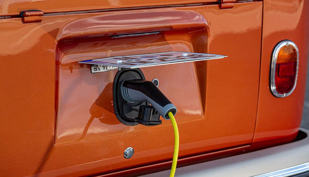 VW-e-Bulli-eClassics-2020-11