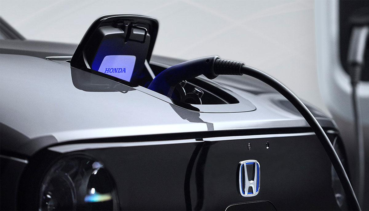 Honda-e-laedt