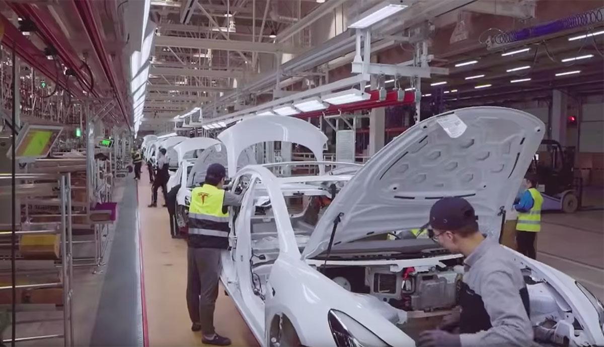 Tesla-China-Fabrik-Innen-Video