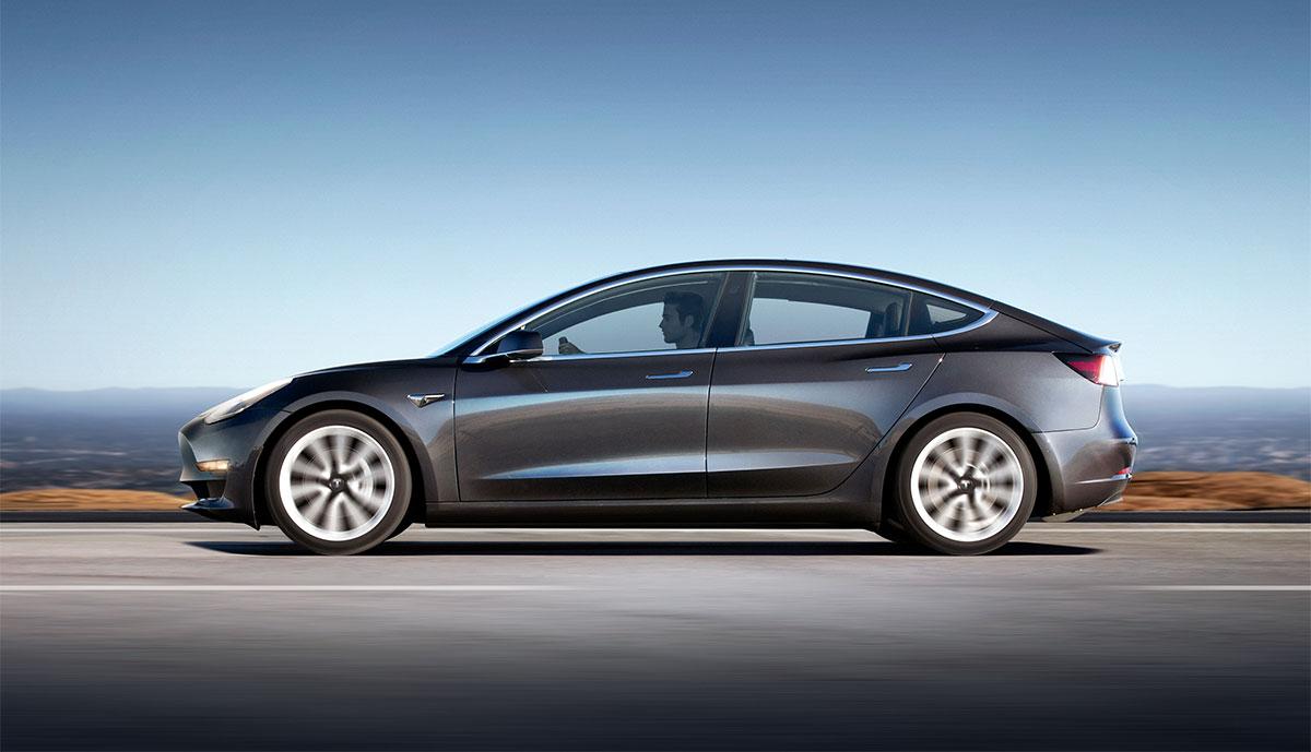 Tesla Model 3 als Dienstwagen laut Berater kein Problem