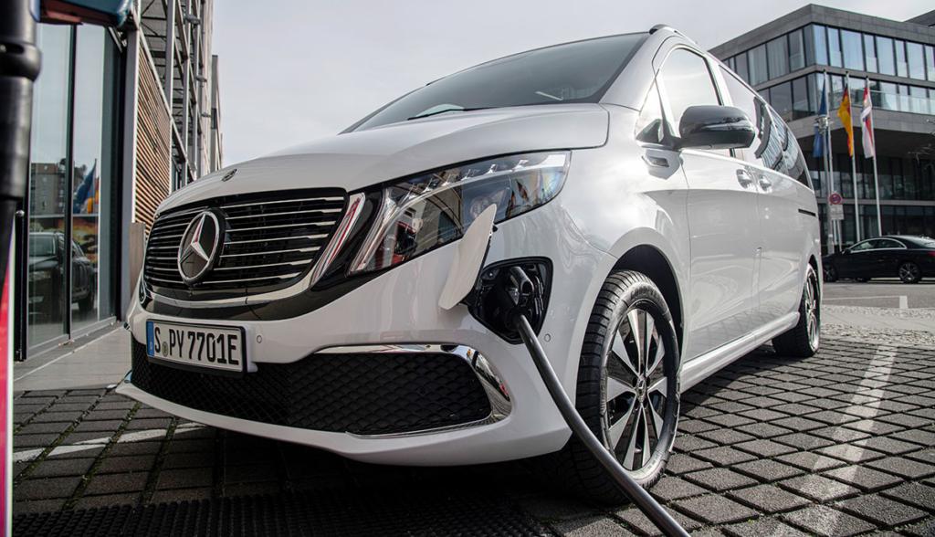 Mercedes-EQV-2020-4