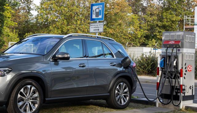 Mercedes-SUV-laedt