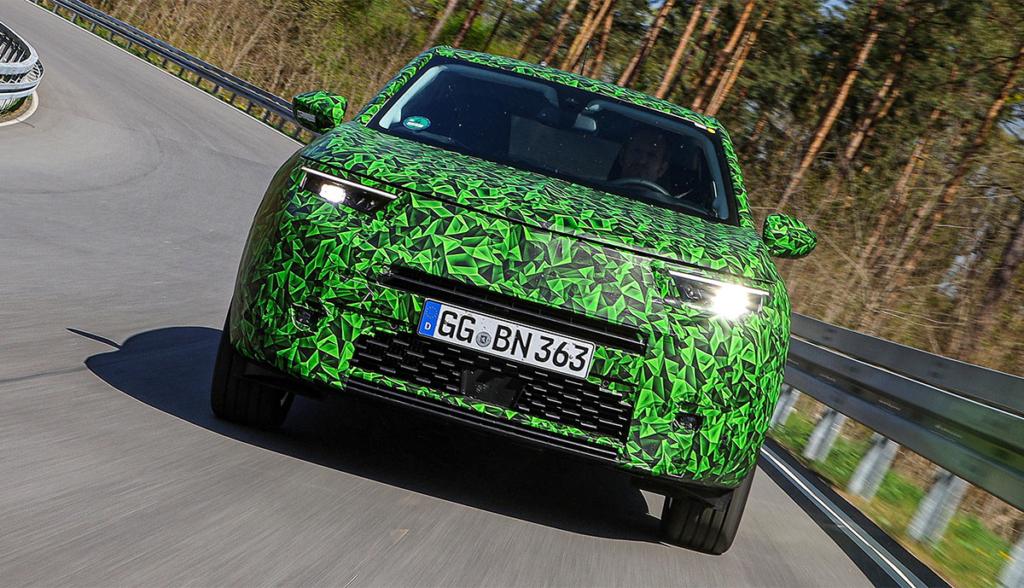Opel-Mokka-e-getarnt-2020-4