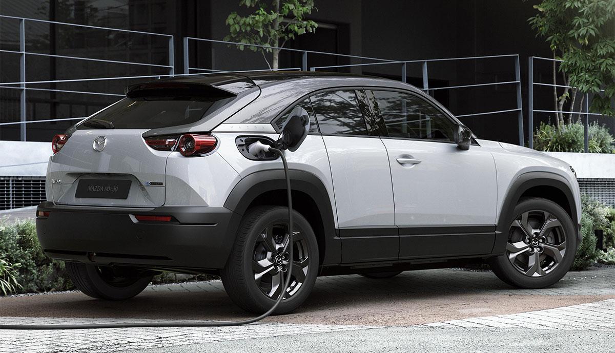 Mazda-MX-30-weiss