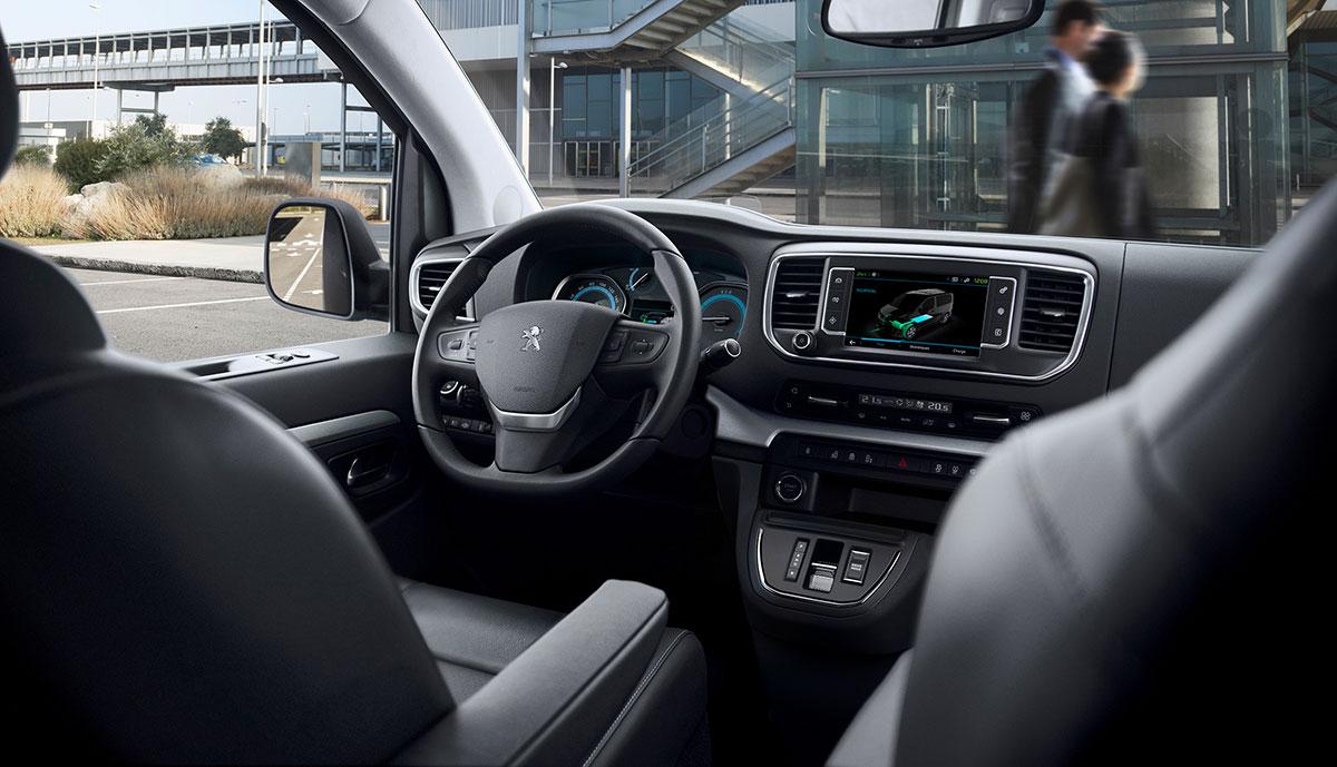 Peugeot-e-Traveller-2020-1