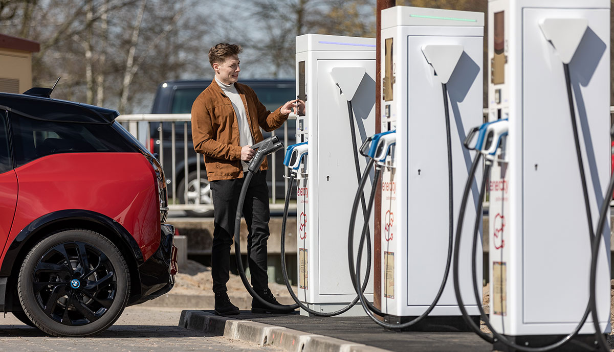 "Enercity eröffnet erste ""Ultra-Schnellladesäule"" in Hannover"