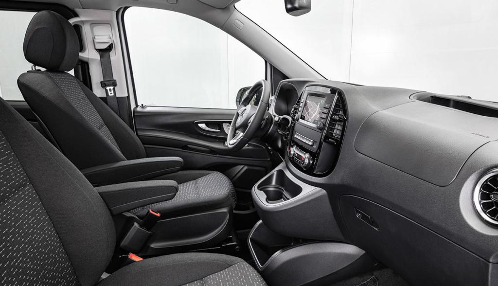 Mercedes-eVito-Tourer-2020-5