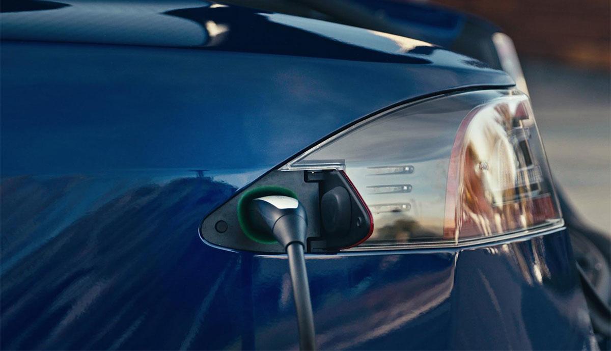 Tesla-Charging