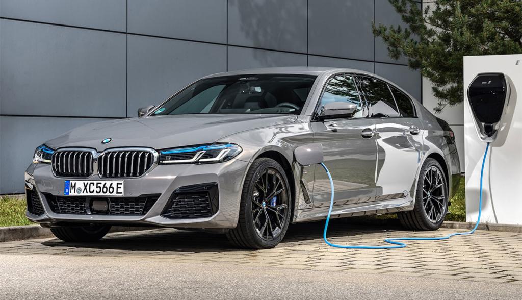 BMW-545e-xDrive-Limousine-2020-6