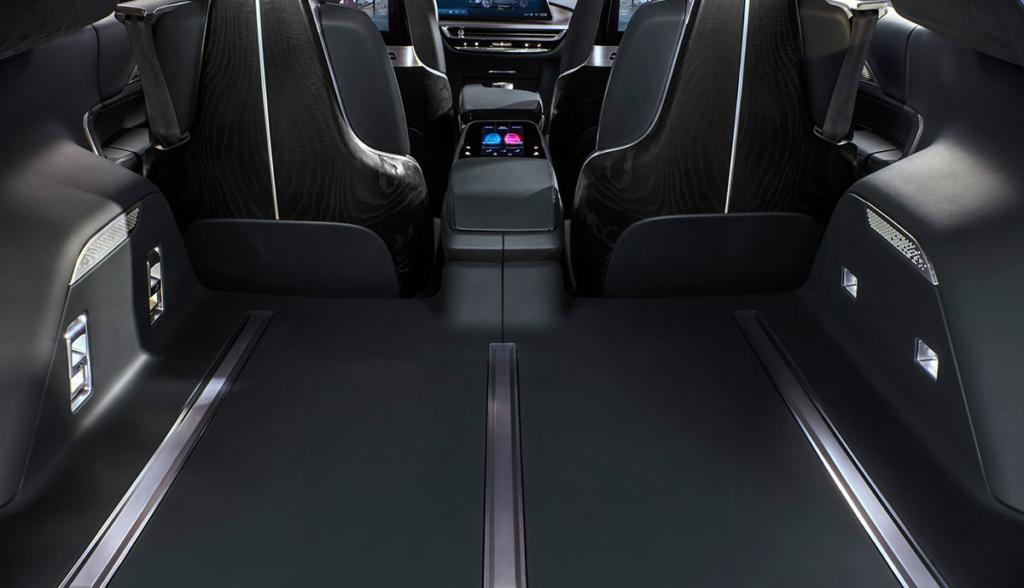 Cadillac-Lyriq-2020-2