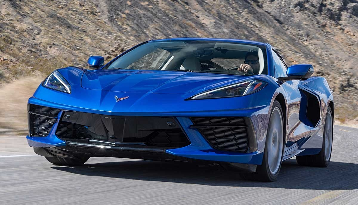 Chevrolet-Corvette-2020-blau