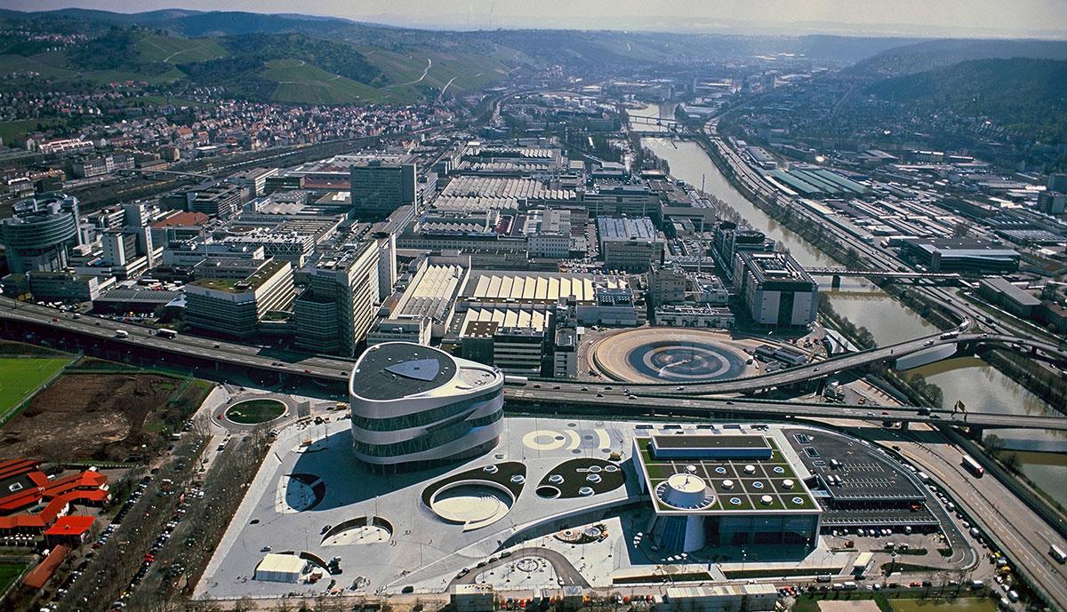 Mercedes-Stuttgart-Untertuerkheim