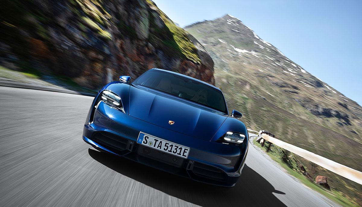 Porsche-Taycan-Front-blau