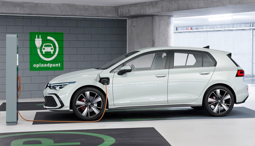 VW Golf GTE-2020-8-1