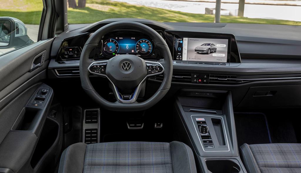 VW Golf GTE-2020-8-8
